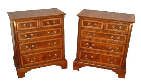 Touchwood UK COD09 Pair of Walnut Chests